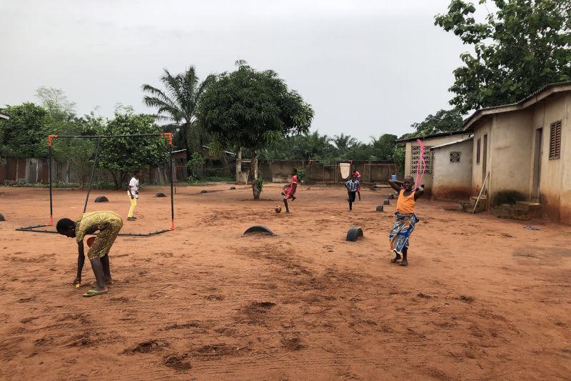 Fußballtraining im Waisenkaus St. Nikolas