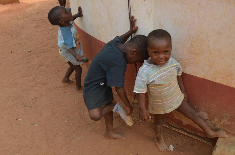 Spielende Kinder in Benin